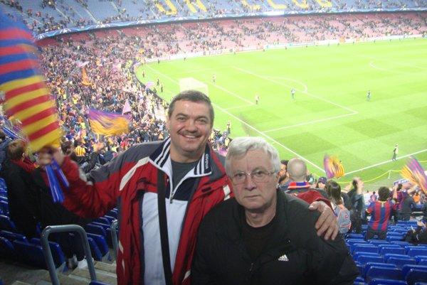 Michal Kica aDaniel Virdzek na Nou Campe vBarcelone.