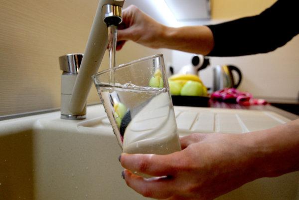 V našej krajine našťastie, s vodou problémy nemáme. Vidieť to aj na našom postoji k nej. Často s ňou zbytočne plytváme.