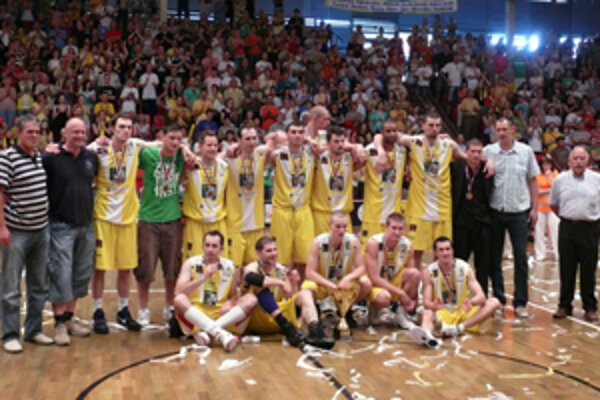 Bronzový tím z uplynulej sezóny - BC Prievidza sa postaral o parádny zvrat v Žiline.