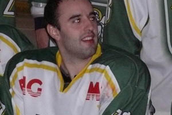Juraj Dušička ešte hráva hokej, no už len s priateľmi pre zábavu.