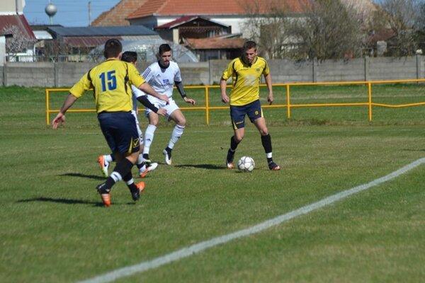 Zo zápasu Imeľ - Štúrovo 1:0