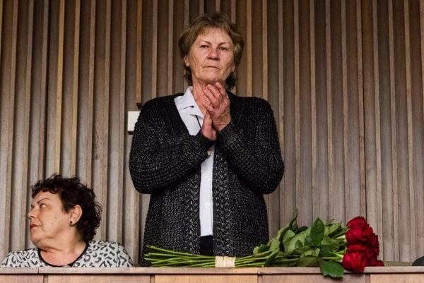 Anna Remiášová po odhlasovaní zmeny ústavy v parlamente zatlieskala.