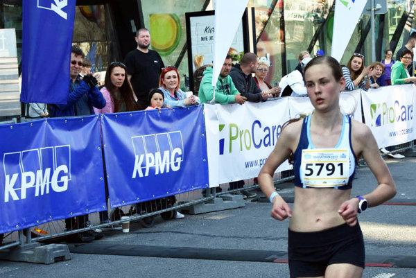 Veronika Zrastáková absolvovala v Bratislave len svoj druhý polmaratón v živote. A veľmi úspešne.