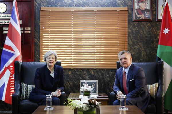 Britská premiérka Theresa Mayová a jordánsky kráľ Abdalláh II.