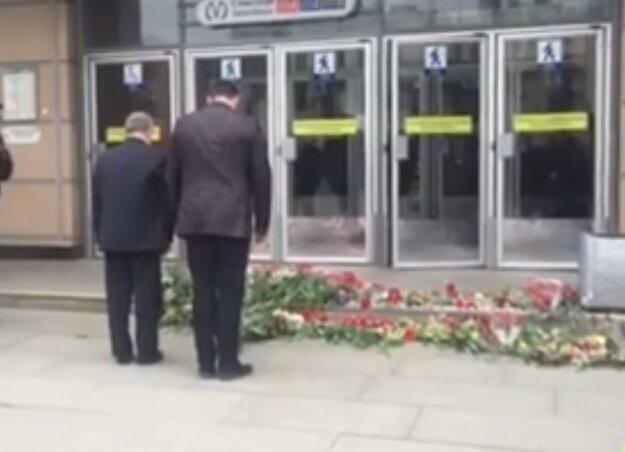 Dnes primátor Otokar Klein s konzulom  Augustínom Čisárom položili kyticu kvetov na pamiatku obetí v petrohradskom metre.