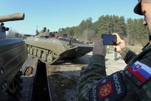 Vojaci z Levíc dorazili do Lotyšska.