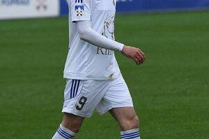 Stanislav Šesták z Popradu počas prvého semifinále Slovnaft cup medzi FK Poprad - MFK Skalica.