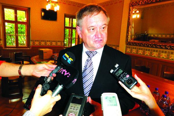 Nitrianska župa od svojho vzniku v roku 2001 nezažila iného župana ako Milana Belicu.