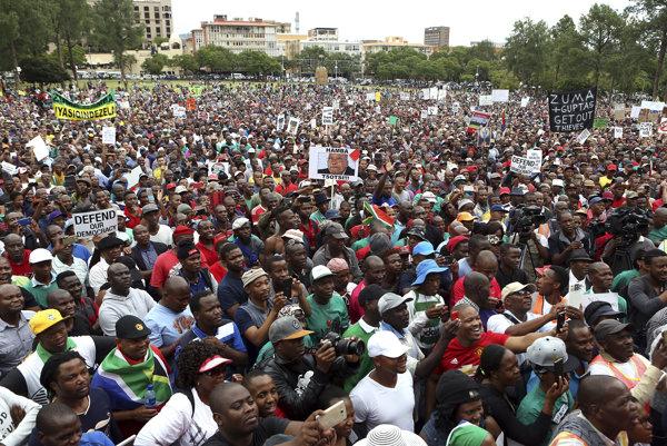 Protesty proti prezidentovi Zumovi.