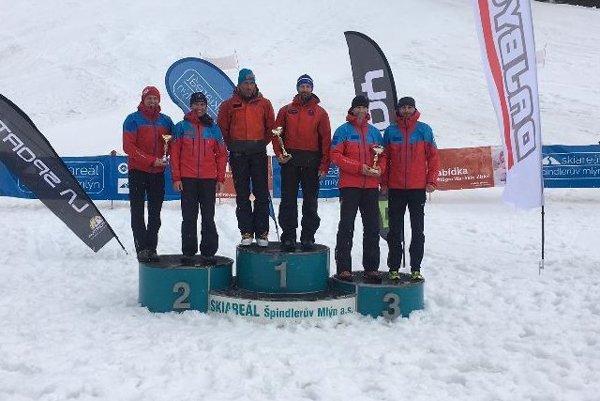 Na stupne víťazov vystúpili aj záchranári z Vysokých Tatier.