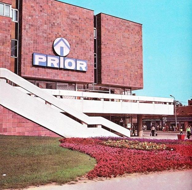Prior začali v Nitre stavať v roku 1969.