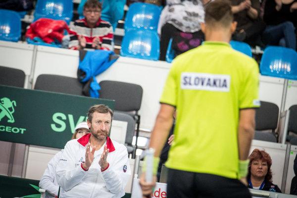 Tenisti Slovenska budú hrať v baráži o záchranu po tom, ako nestačili na Maďarsko.