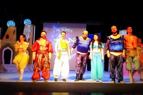 Aladin a čarovná lampa.