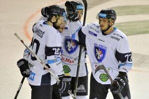 Lukáš Kozák (vpravo) zabojuje o návrat do Slovana.