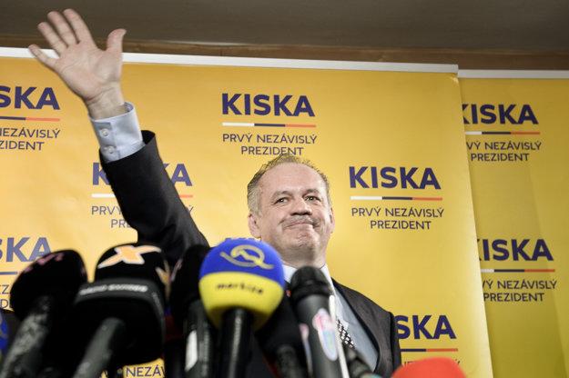 Tlačová konferencia víťaza prezidentských volieb 2014.