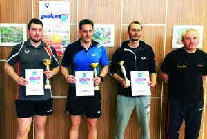 Víťazi kategórie registrovaných hráčov (zľava René Očenáš, Tomáš Špleha, Milan Beničiak, Jozef Kupeček).
