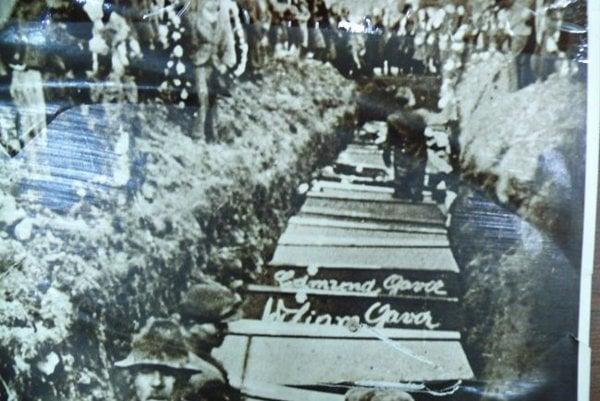 Dvadsiateho apríla 1945  zavraždili v osade Semeteš príslušníci vlasovských jednotiek 21 mužov a chlapcov vo veku od 16 do 51 rokov. Vydrancovali a zapálili 13 domov.