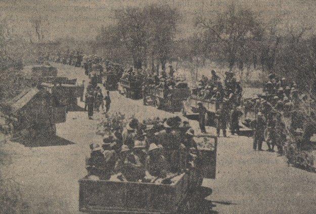Motorizovaná kolóna talianskeho vojska v Etiópii.