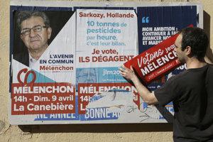 Predvolebné plagáty na ulici v Marseille.