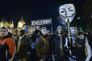 Orbánova snaha zdaniť internet dostala mladých Maďarov do ulíc.