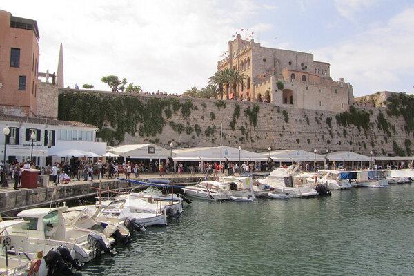 Prístav v Ciutadella.