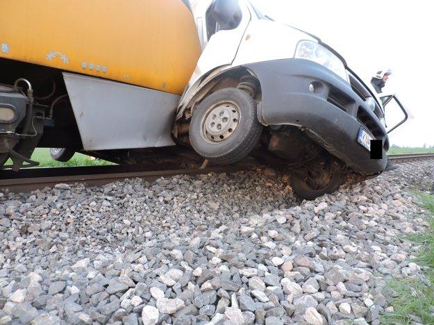 Nehoda na železničnom priecestí.