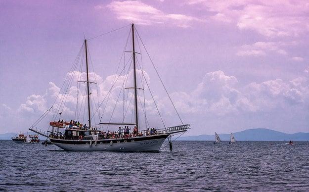 Spestrením dovolenky môžu byť rôzne výletné plavby.