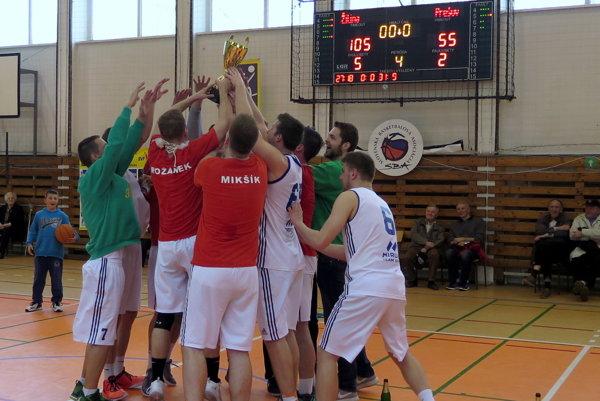 Víťazná radosť žilinských basketbalistov.