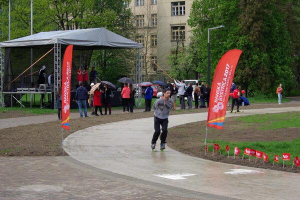 Pod Pamätníkom SNP sa rozvinuli pohybové aktivity.