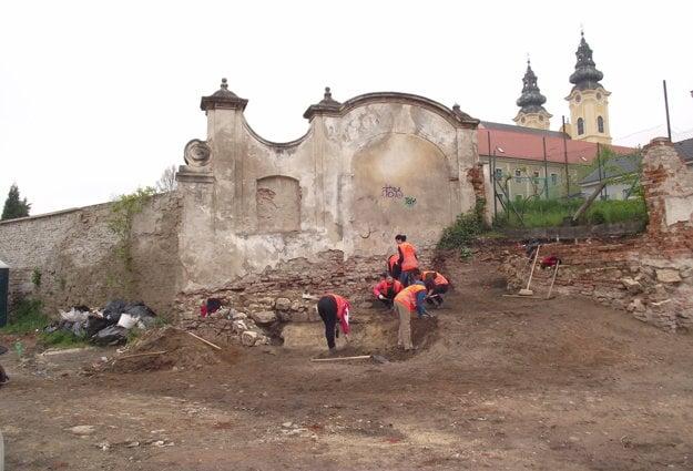 Na Tabáni prebieha archeologický výskum. Fotografie nájdete na konci článku vo fotogalérii.