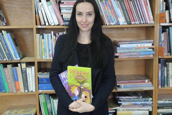 Obálky rozprávkových kníh Márie Demitrovej hrajú farbami.