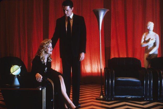 Seriál Twin Peaks z roku 1990 a 1991 o tajomnej smrti Laury Palmer pokračuje.