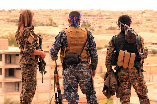Kurdskí bojovníci na severe Sýrie