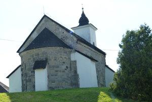 Románsky kostolík v Kalinčiakove.