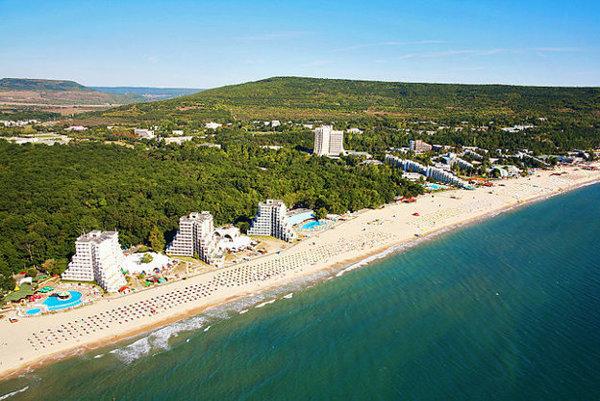Čierne more vAlbene. Východniarom sa výrazne priblížia aj pláže na severovýchode Bulharska.
