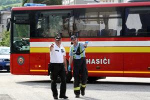 Pripravený hasičský autobus.