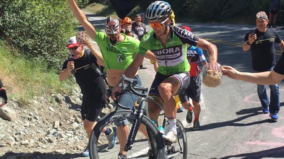 b8c898ac515eb VIDEO: Peter Sagan opäť zabával fanúšikov počas pretekov - SME | MY ...