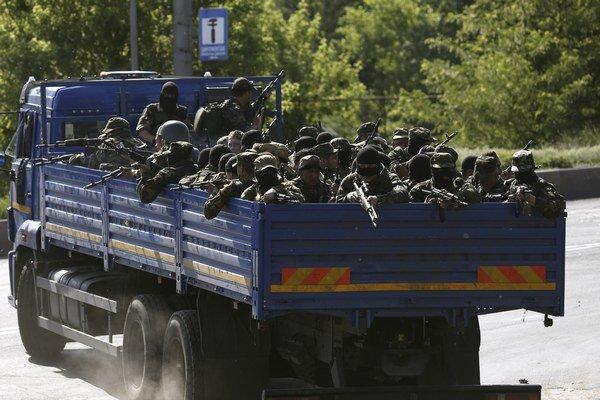 V Donecku vládne napätie. Ulice zostali prázdne, rebeli očakávajú útok