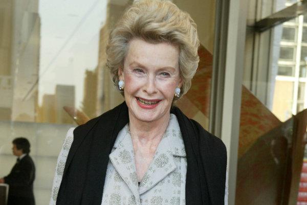 Americká herečka a filantropka Dina Merrillová.