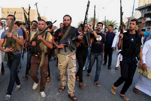 Šiiti vyrážajú do boja proti sunnitským extrémistom z ISIL.