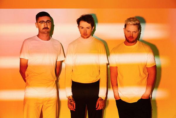Kapela Alt-J, to sú klávesák Gus Unger-Hamilton, bubeník Thom Green a spevák Joe Newman.