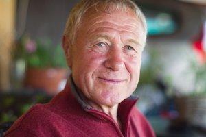Anton Mego začal pred viac ako tridsiatimi rokmi pestovať irisy, gladioly a ľalie pre potešenie. Dnes patrí medzi šľachtiteľmi k svetovej špičke.