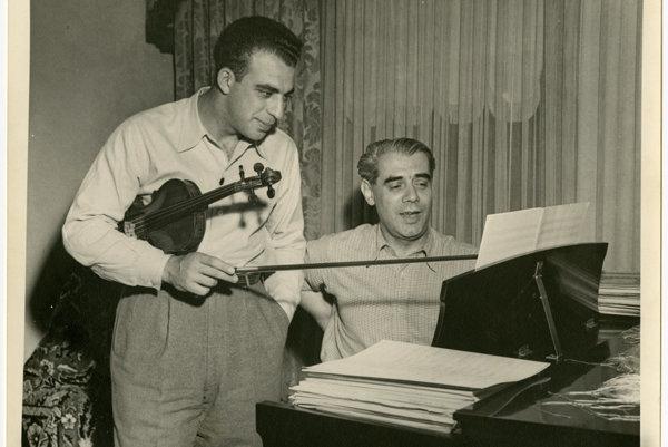Walter Kaufmann. Presadil si štúdium hudby proti vôli rodičov a v Berlíne muzicíroval aj s Albertom Einsteinom. Nacizmus ho vyhnal do exilu v Indii a do Československa sa nevrátil ani po vojne.