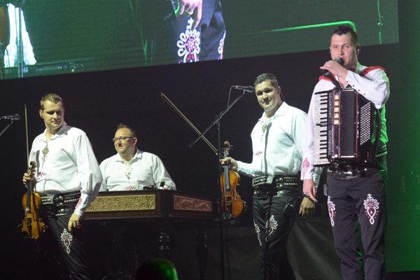 Kollárovci zahrajú v Sabinove v sobotu.