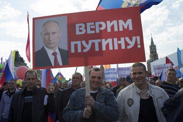 Rusi veria Putinovi.