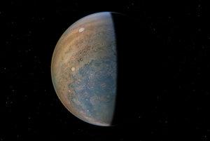 Typické pásy Jupitera pri jeho póloch miznú. vyskytujú sa tu skôr chaotické búrky o veľkosti Marsu.