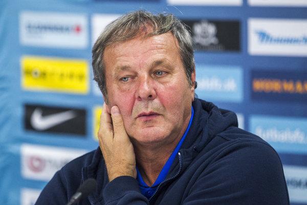 Tréner slovenskej futbalovej reprezentácie Ján Kozák.