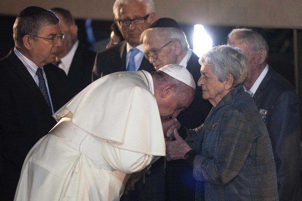Po palestínskej časti si František uctil aj tých, čo prežili holokaust.