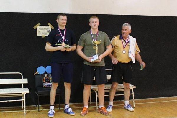 Štvrtý ročník memoriálu vyhral Andrej Páll (v strede).