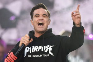Robbie Williams na koncerte One Love Manchester.